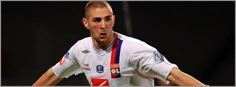 Karim Benzema fête son but face à Metz